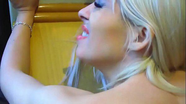 imagen Celeste una argentina muy puta follando en lencería roja