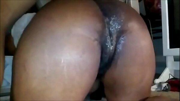 imagen Una negra follando con su pareja a la que la hace un sexo anal de los buenos