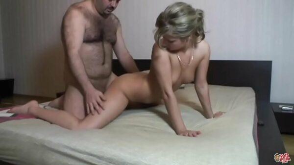 imagen Una jovencita rusa en su primer casting porno con torbe
