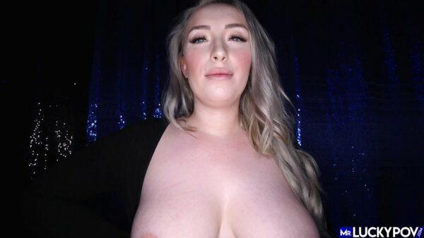 imagen Rubia follando con el dueño de la discoteca al terminar la fiesta