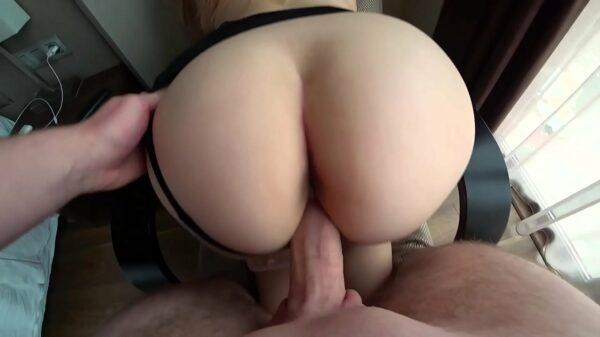 imagen Porno real con estudiante follando en postura misionero y a cuatro patas