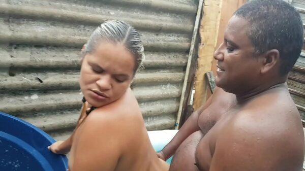 imagen Engaña a su marido follando con su mejor amigo mientras está ausente